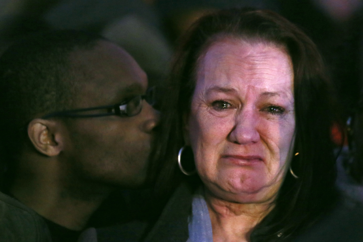 Pamela Duggan weeps outside the High Court after the verdict that Mark Duggan was lawfully killed by police