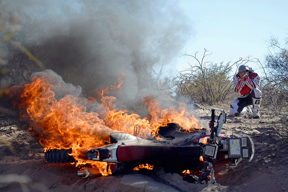 dakar rally flames