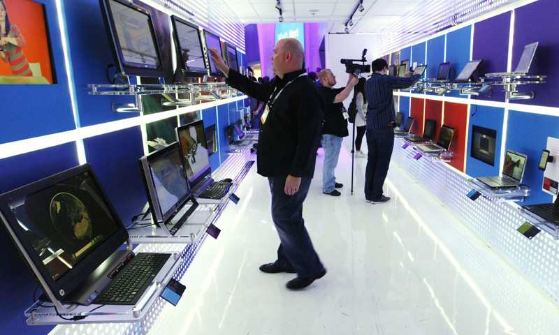 Worldwide PC shipments fell by 10% in 2013, the worst decline in the market's histoy