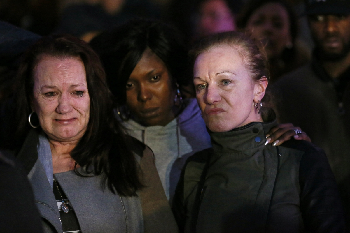Pamela Duggan (l) and Carol outside High Court after lawful killing verdict on Mark Duggan's death