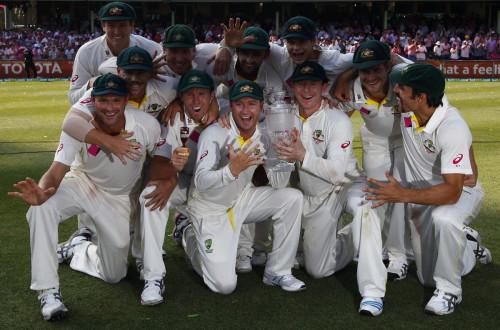 Australia celebrate winning Ashes 2013/14