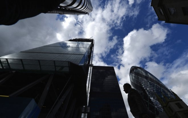 New London Finance Jobs Rise for First Time in Two Years