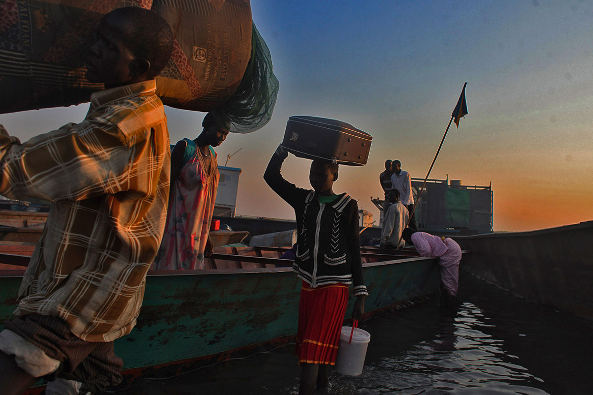 sudan refugees boat