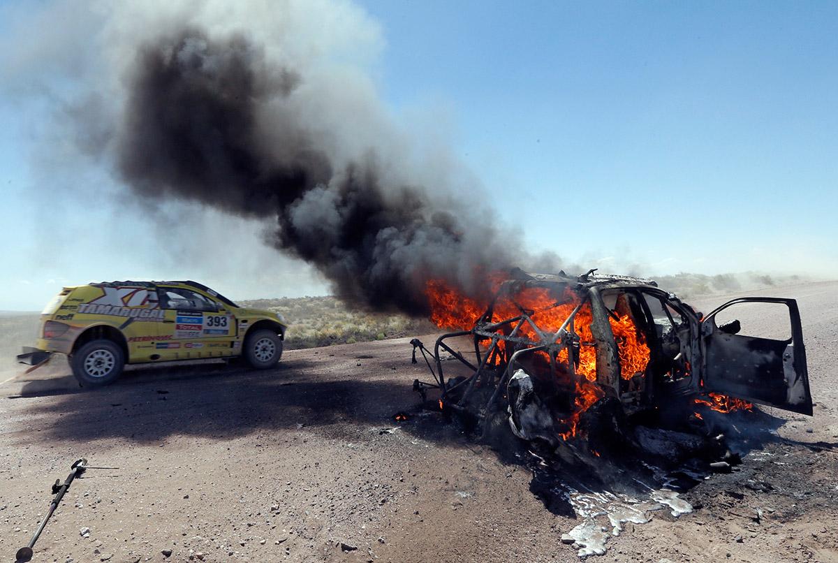 20140106 burning car