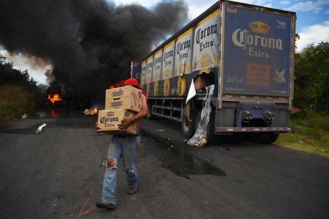beer truck looter