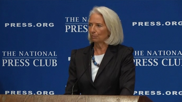 Lagarde Predicts Economic Growth, Warns of Risks