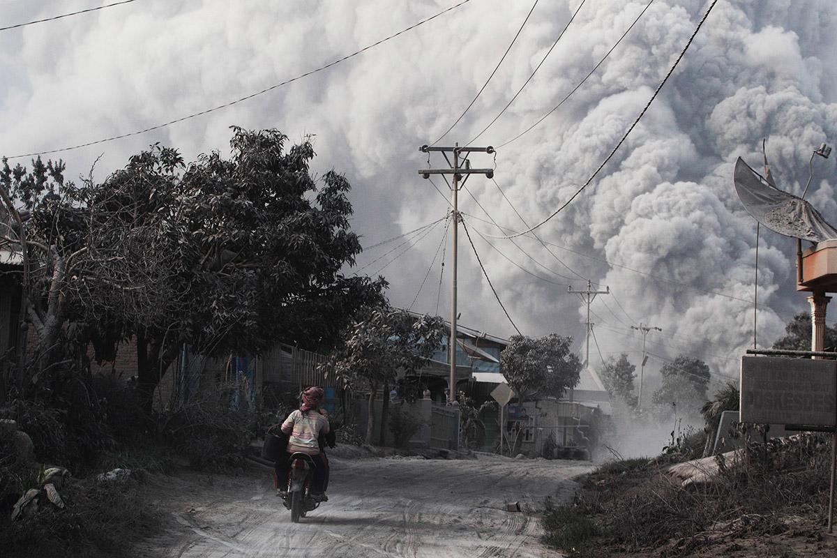 sinabung ash cloud
