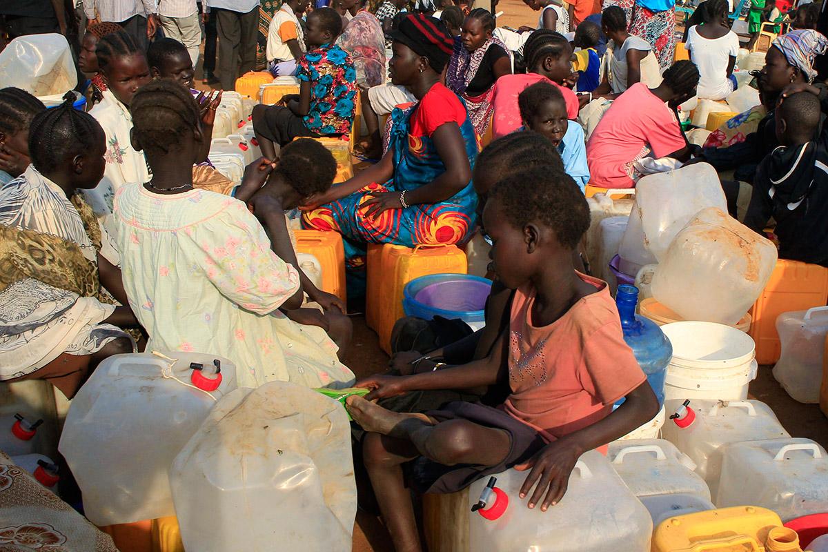 refugee camp water