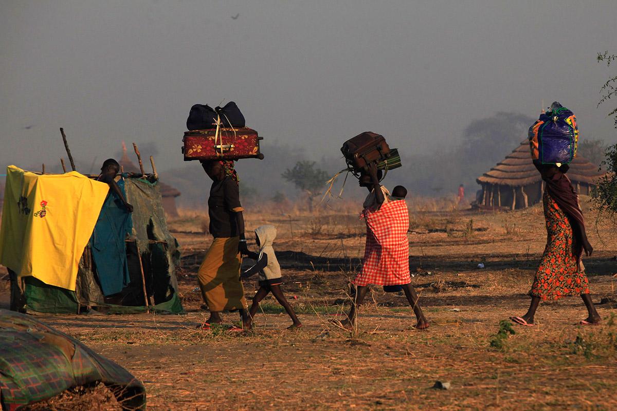 refugees belongings