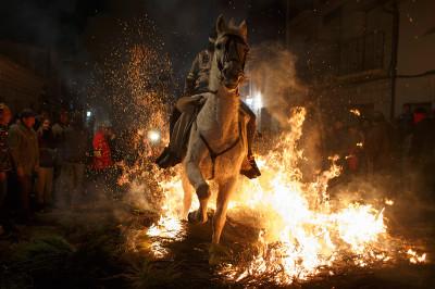 horse fire spain