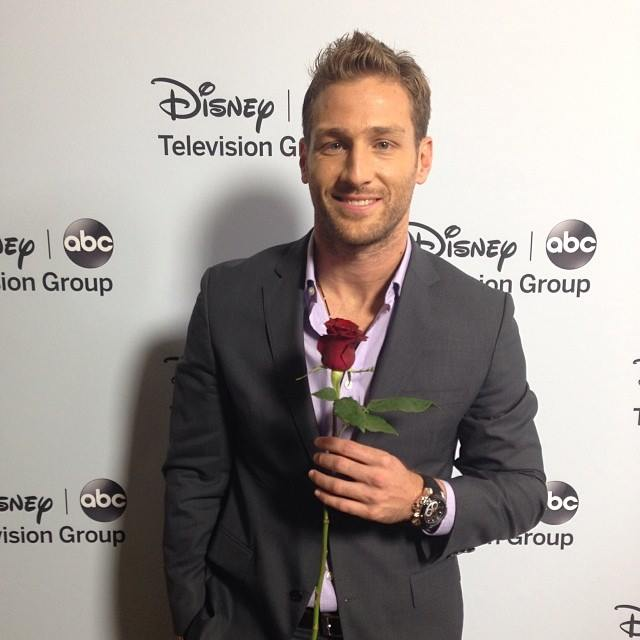 Bachelor star Juan Pablo Galavis has apologised for his comments about not allowing a gay contestant on the ABC hit reality series.