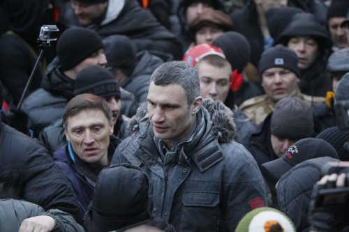 Vitaly Klitschko joins crowds in Kiev protests against government
