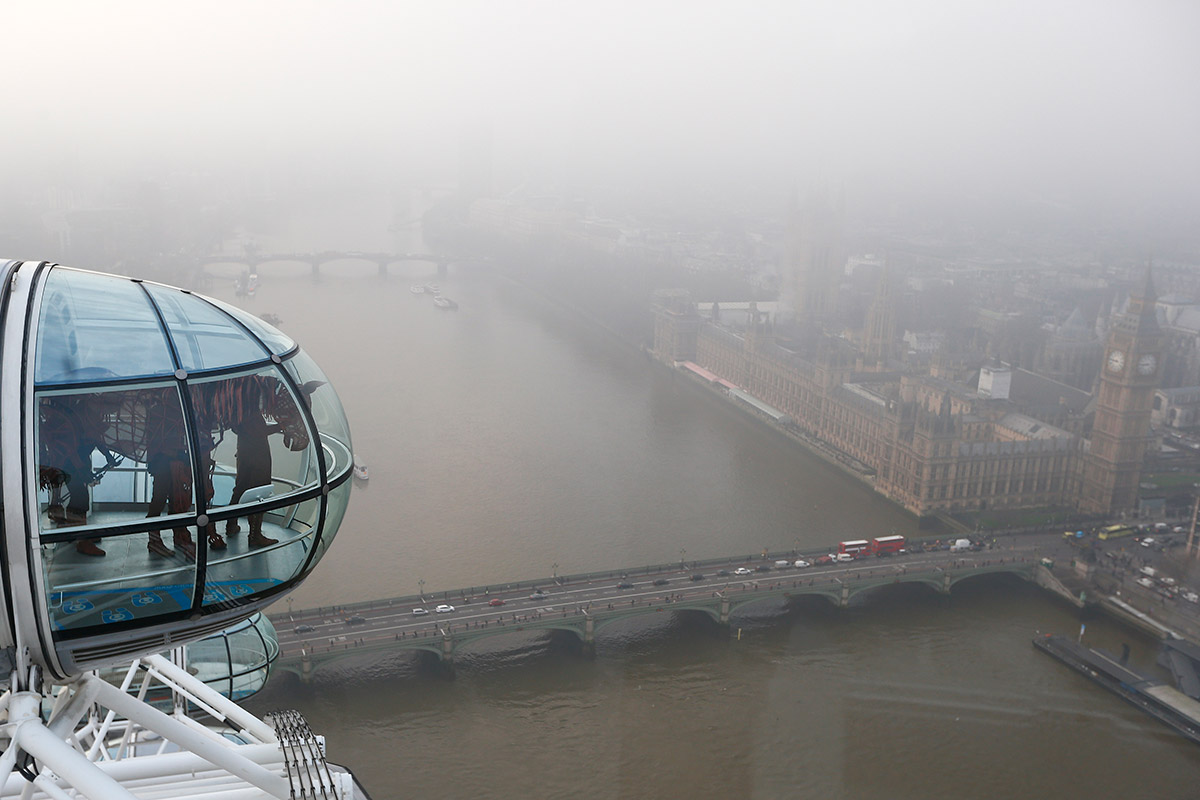 london eye fog