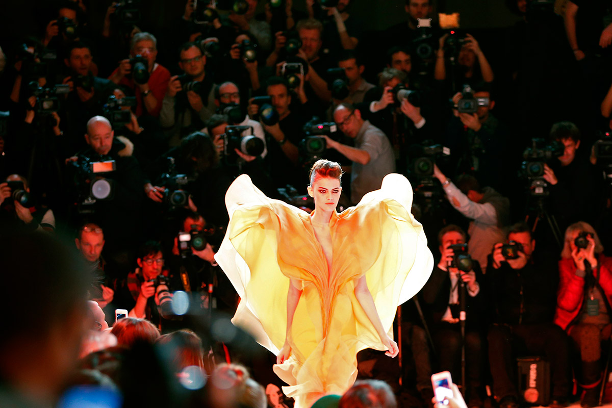 paris fashion wings