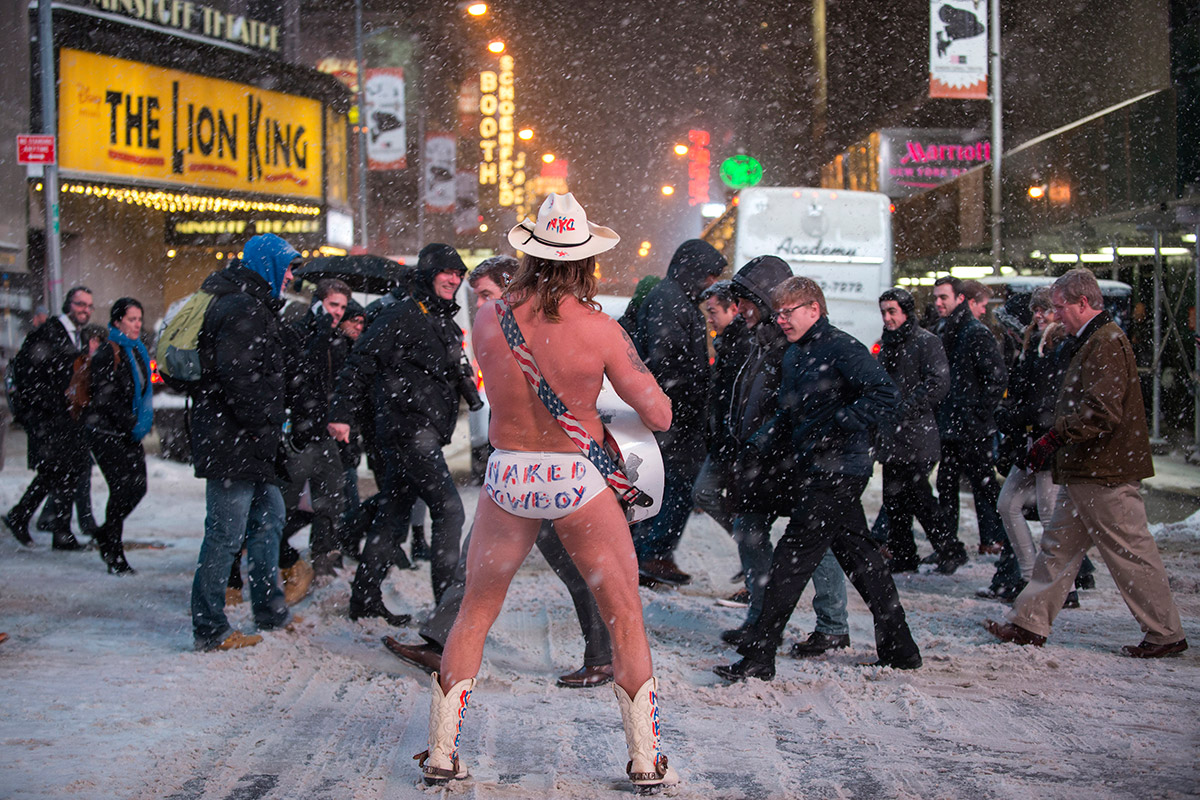 US weather naked cowboy