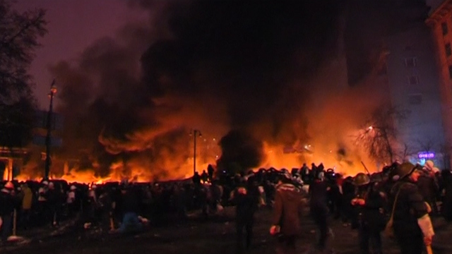 Ukraine Unrest Continues as Protesters Rebuild Barricades