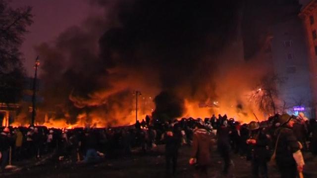 Ukraine Unrest Continues as Protesters Rebuild Barricades
