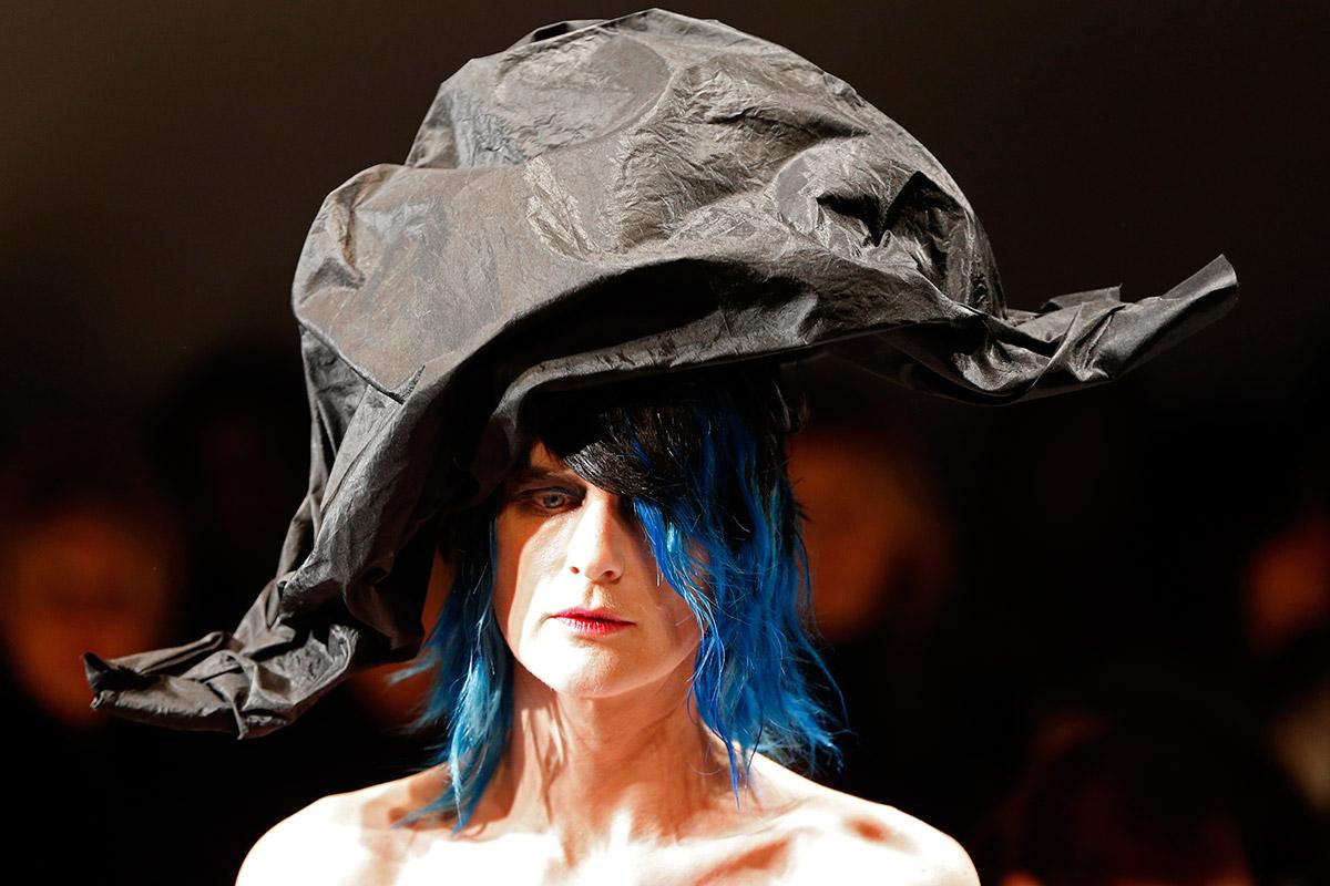 schiaperelli hat