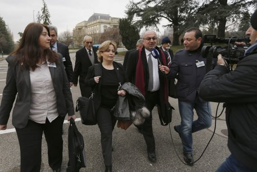 Syria foes hold talks for first time