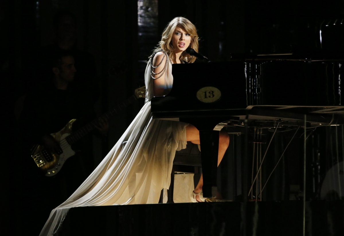 Taylor Swift performs All Too Well