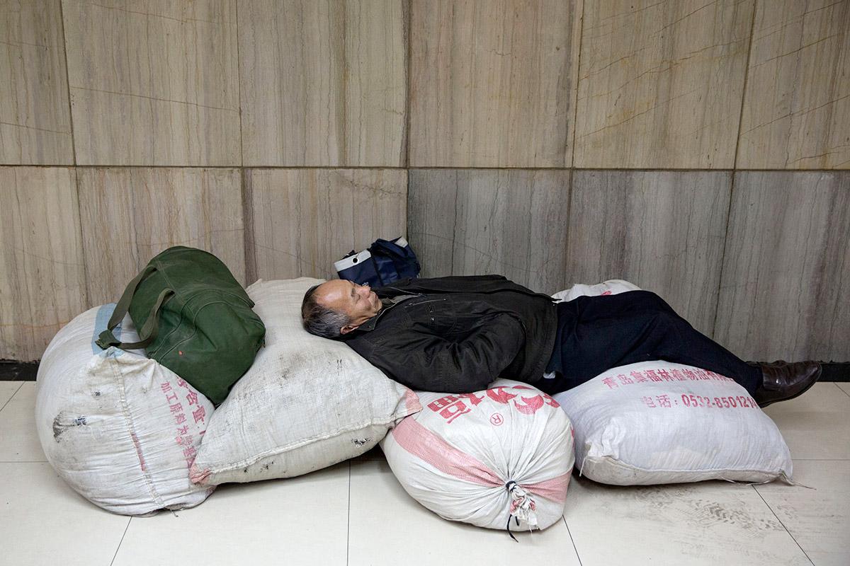 travel man sacks