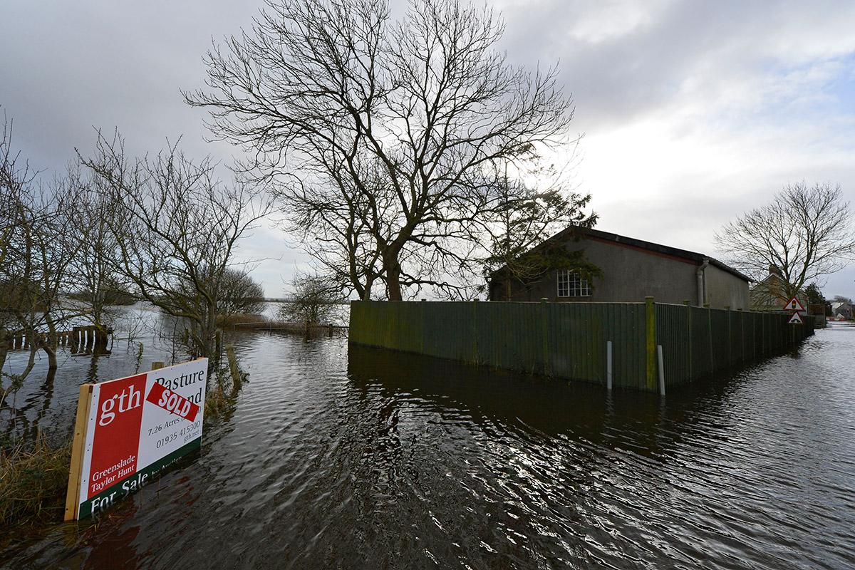 floods uk