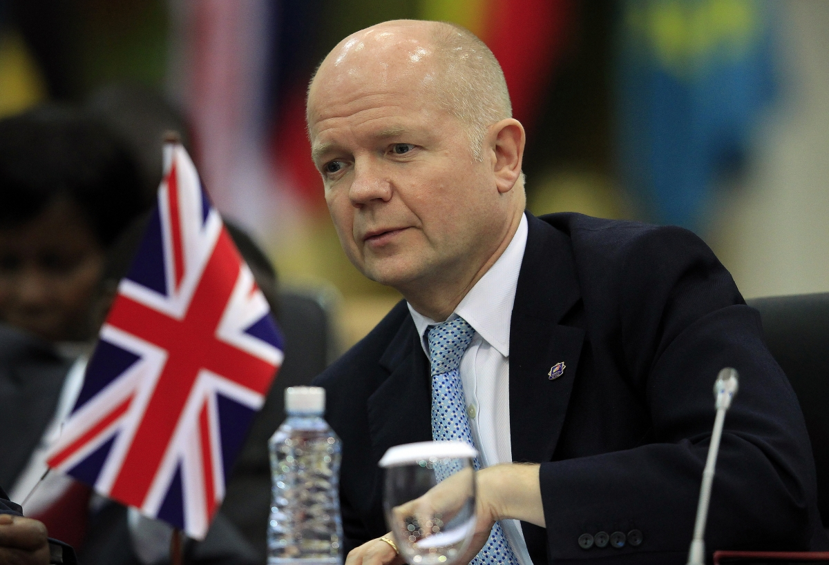 UK's Foreign Secretary William Hague urges Thailand to embrace democracy