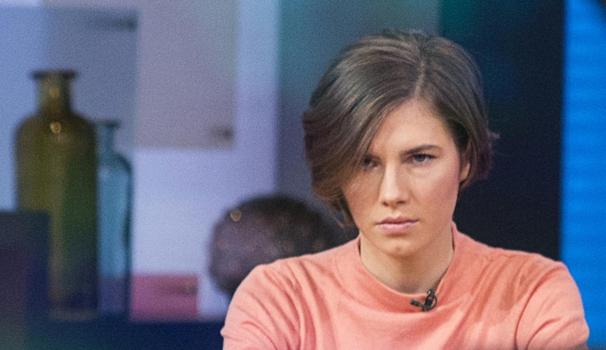 Amanda Knox being interviewed on the set of ABC's