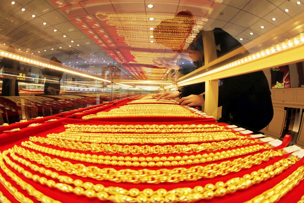 Gold prices extended their gains to a third session on 13 March