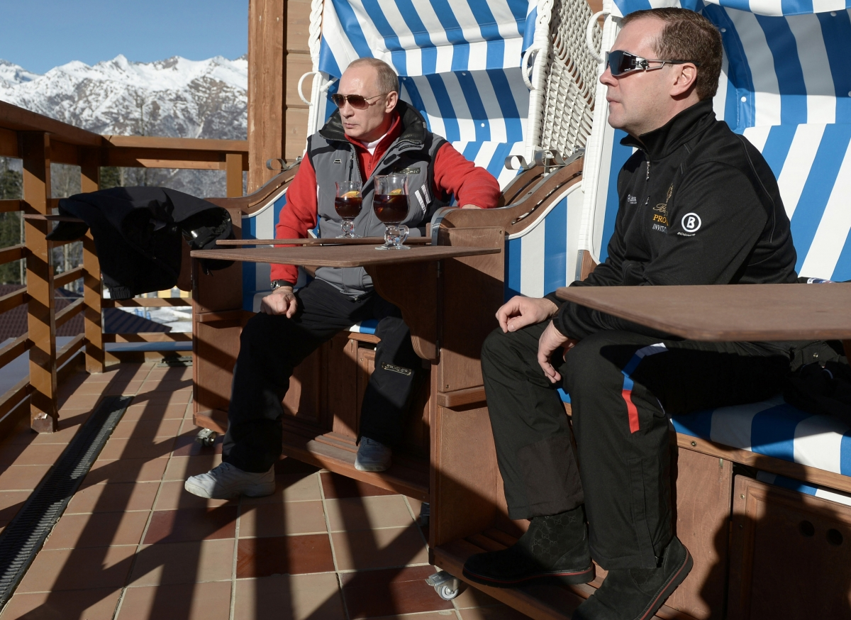 Russian Pm Medvedev Accused Of Stealing 163 35m Sochi