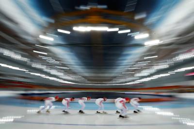 skaters blur