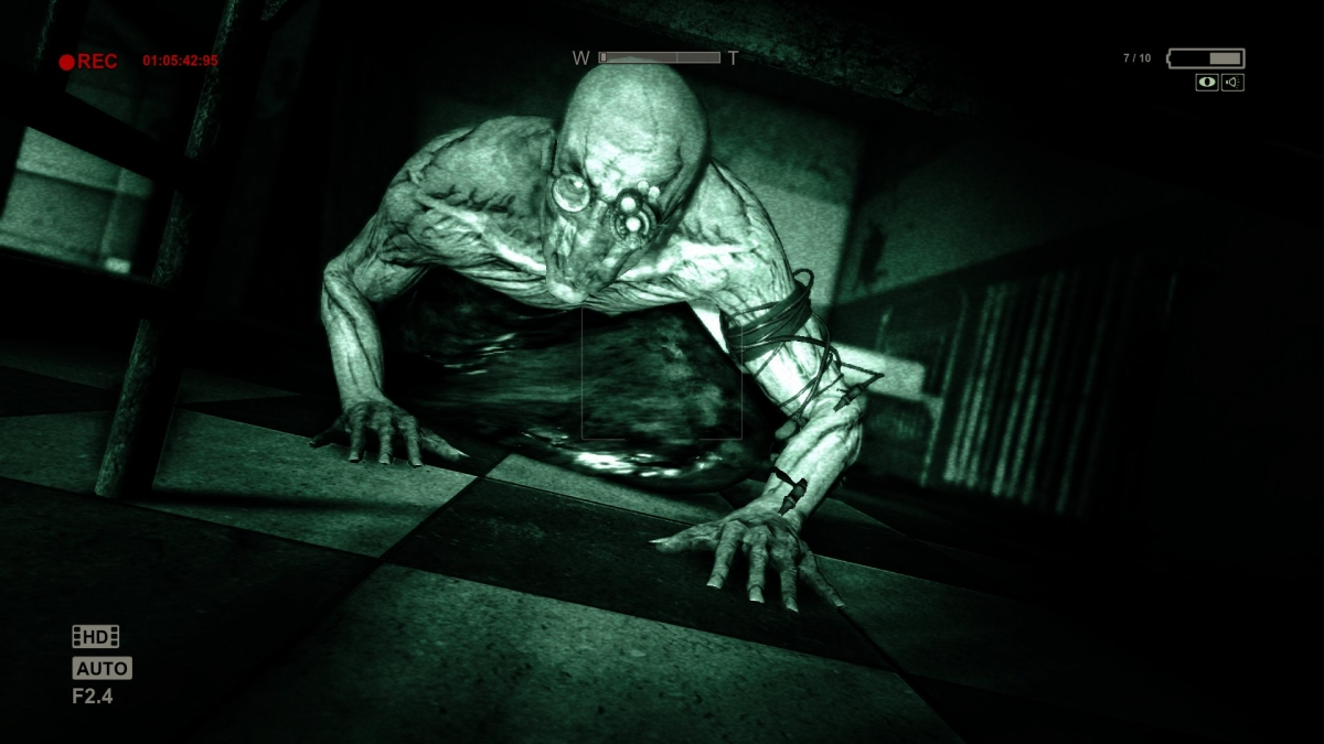 Outlast Review PS4