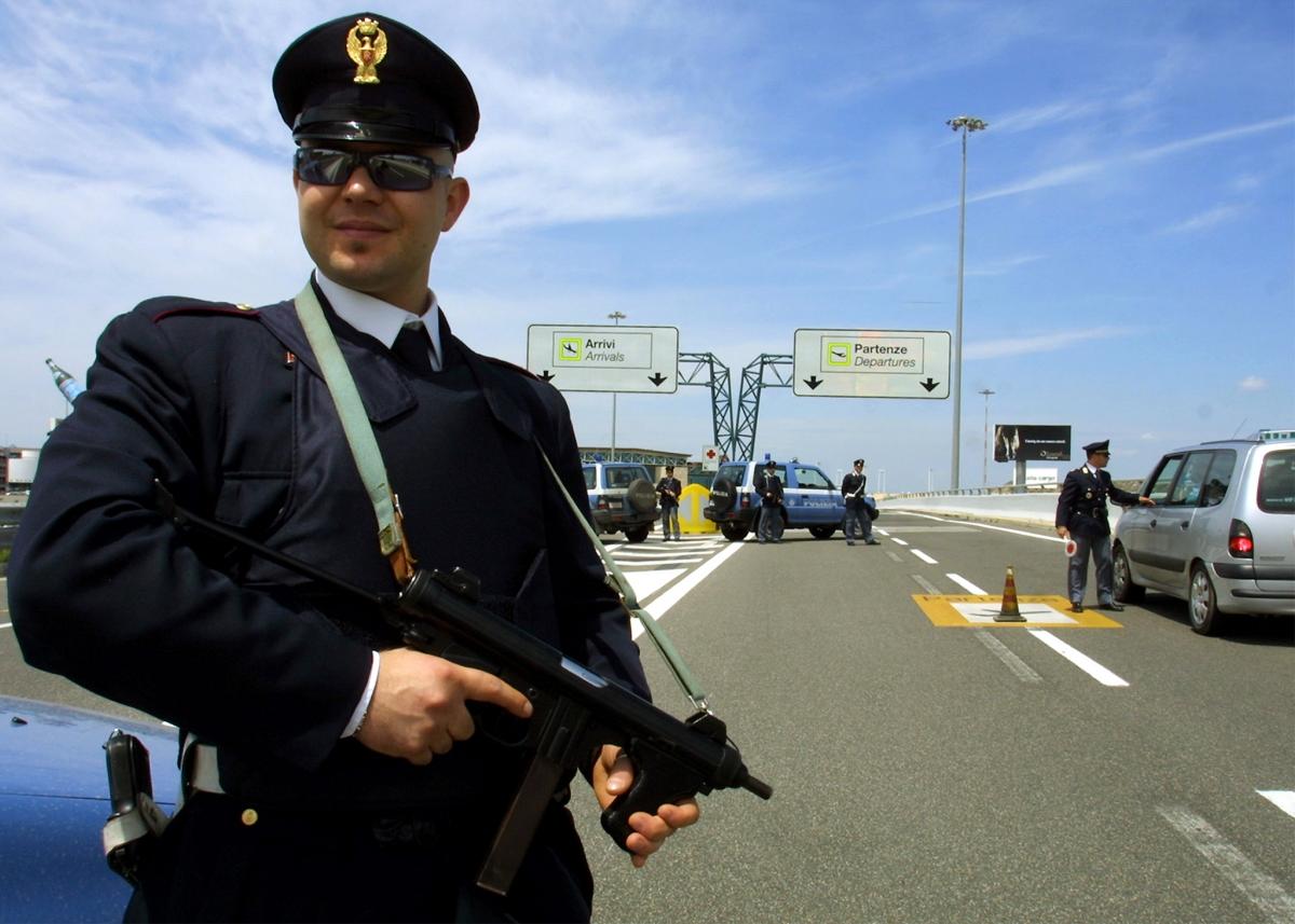 italian police manhunt