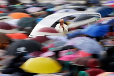 pope umbrellas