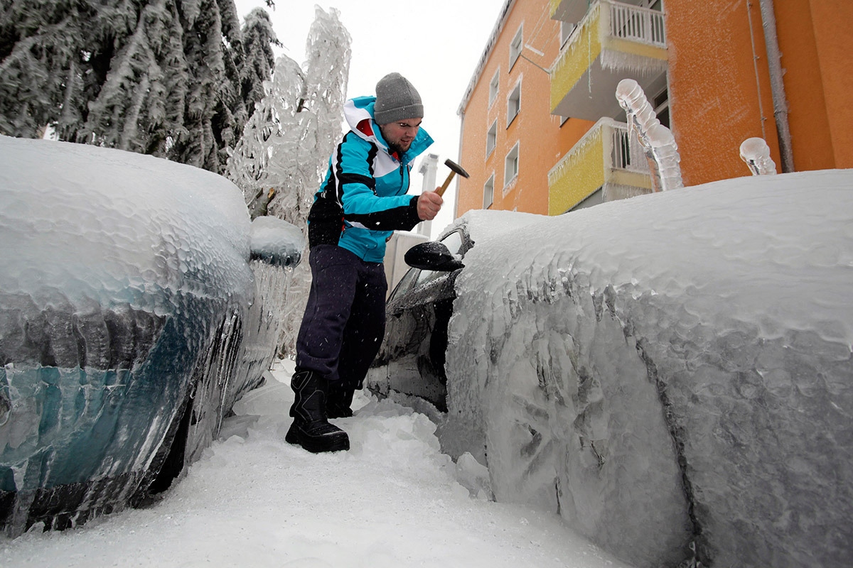 slovenia car ice