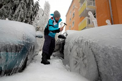 slovenia car ice