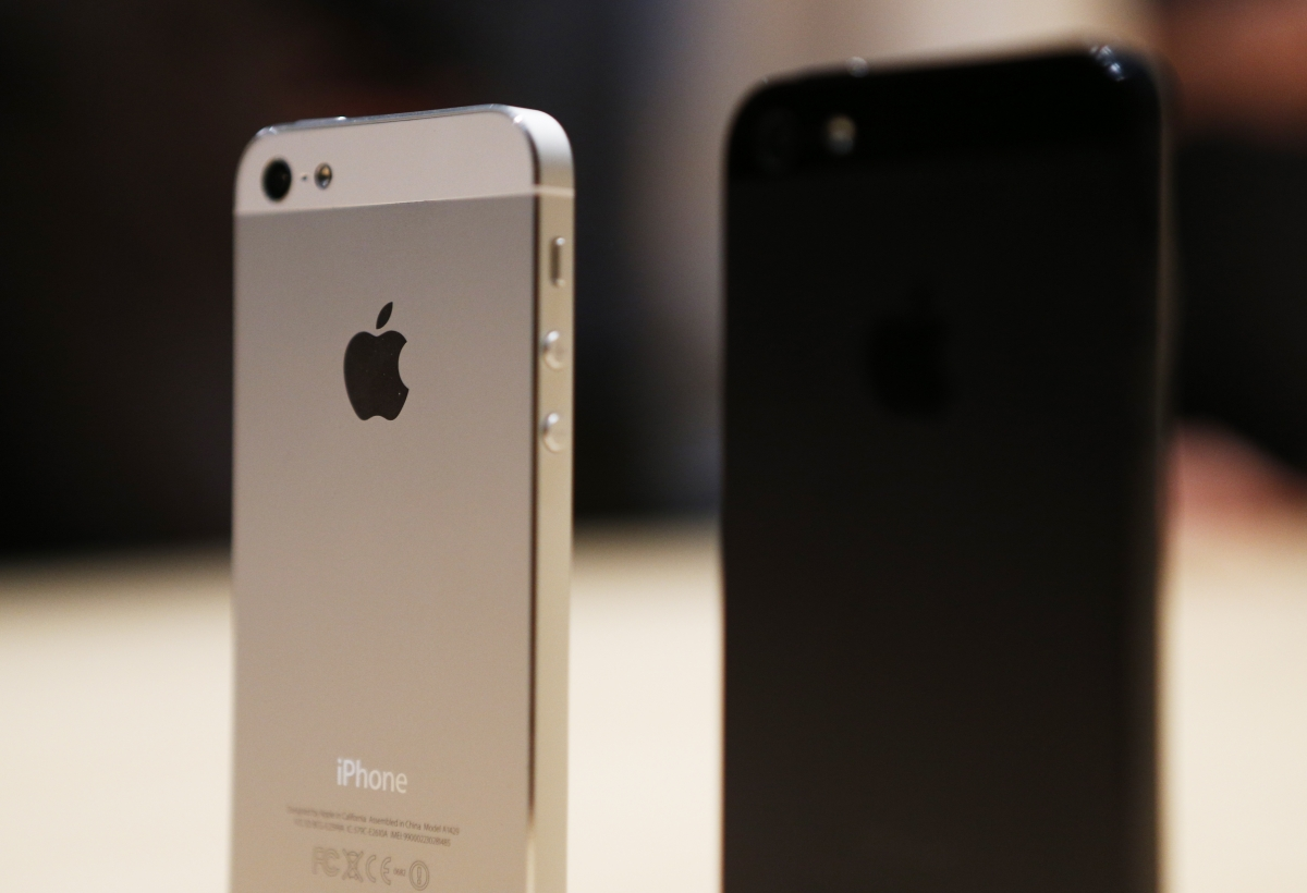 Apple Extends iPhone 5S 'Battery Replacement Program' Throughout the World: Check for Your Eligibility Now