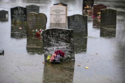 floods graves