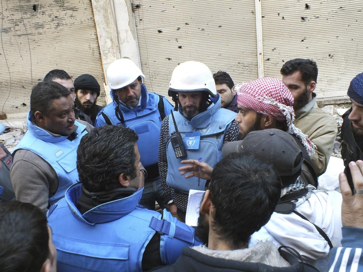 Syria aid convoy attack in Homs