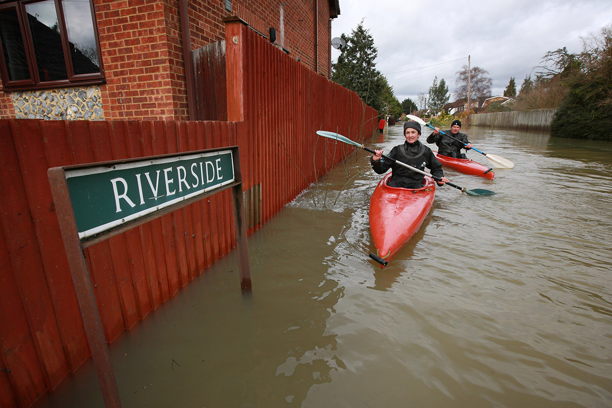 floods kayak