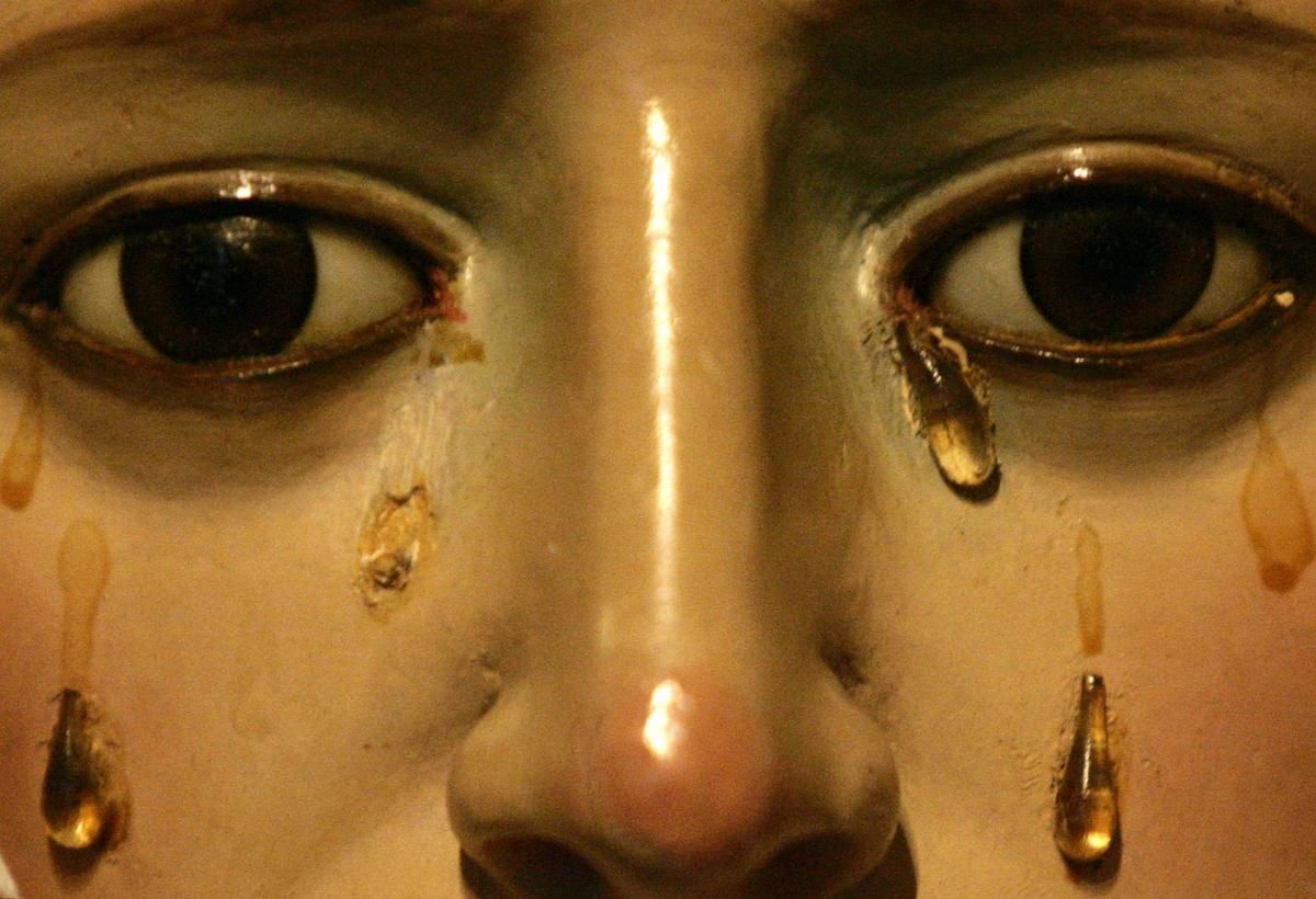 Virgin Mary weeps oil