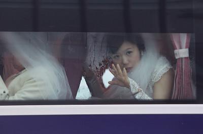 brides bus