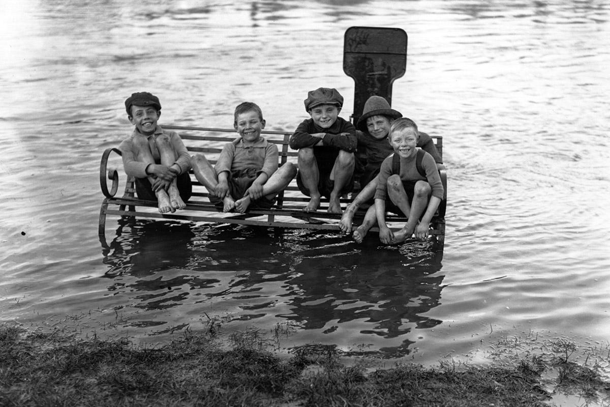 1926 windsor bench