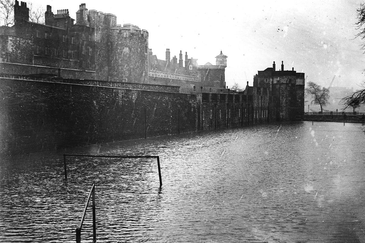 1928 moat