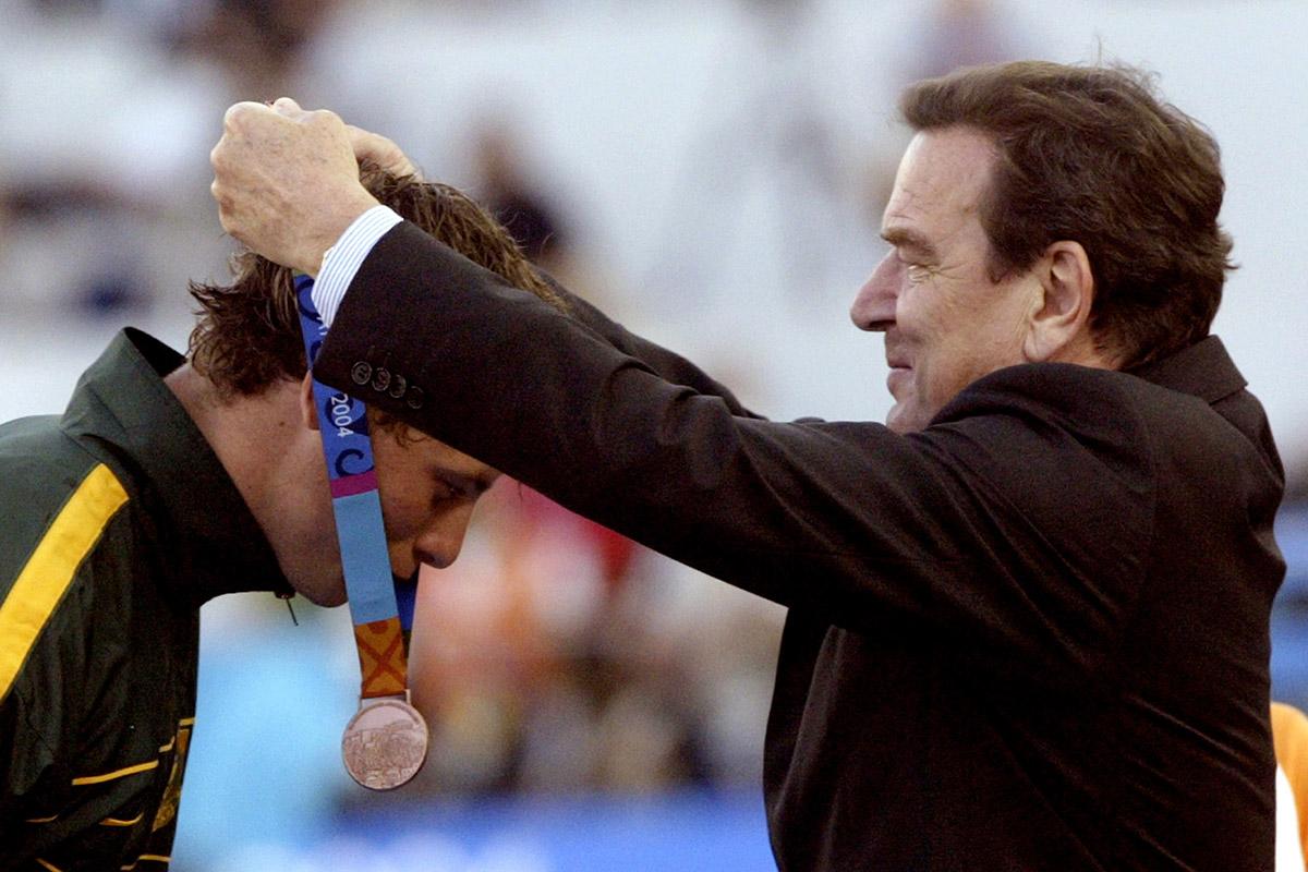 2004 medal