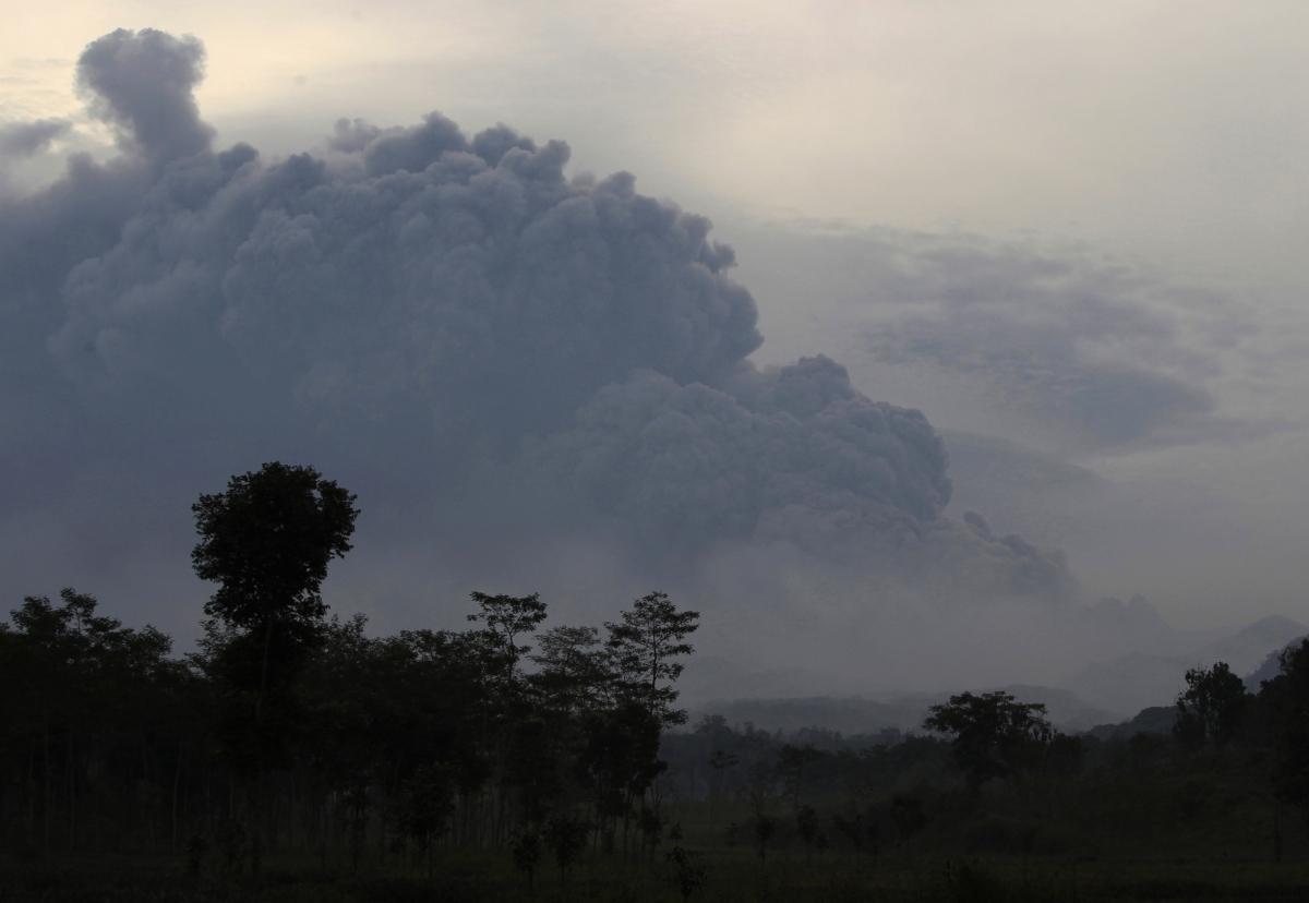 Indonesia volcanic eruption in Java island