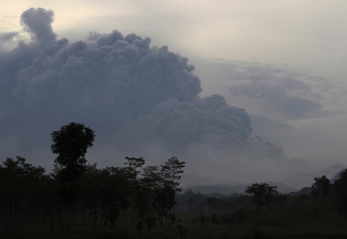 Indonesia volcanic eruption in Java island