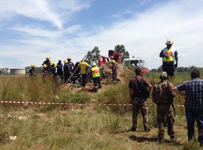 Rescue operations are currently underway at the illegal mine in Benoni, near Johannesburg.