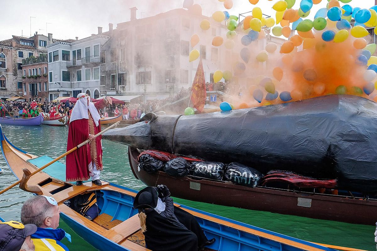 regatta rat balloons