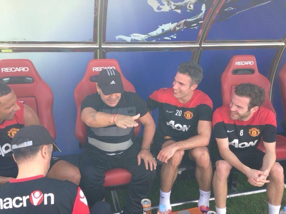 Maradona Manchester United Dubai Training Van Persie Mata
